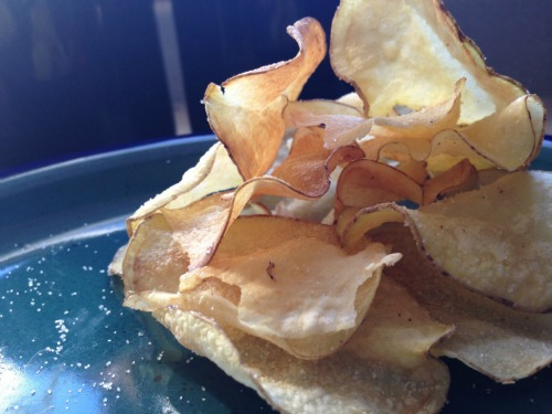 There are 3 keys to making homemade potato chips - the oil, an even slice and soaking in water. Check out this simple method to perfect, delicious homemade potato chips.