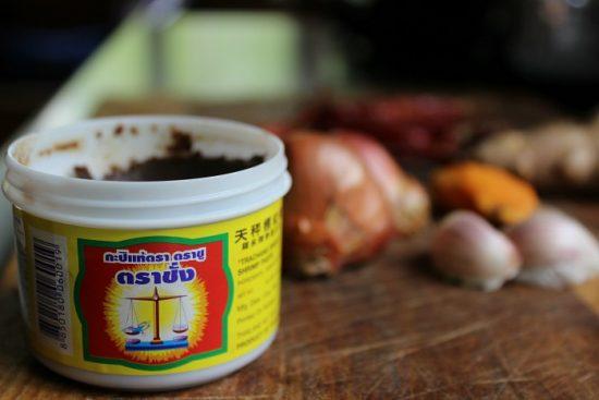 shrimp paste for thai sour curry