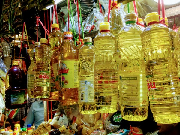 soybean oil for sale at market