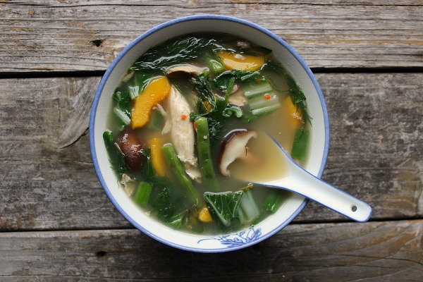 gaeng om, a thai herbal soup
